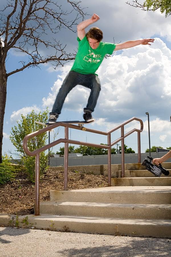 9 Best Skateboard Tricks - List Of Basic And Easiest ...
